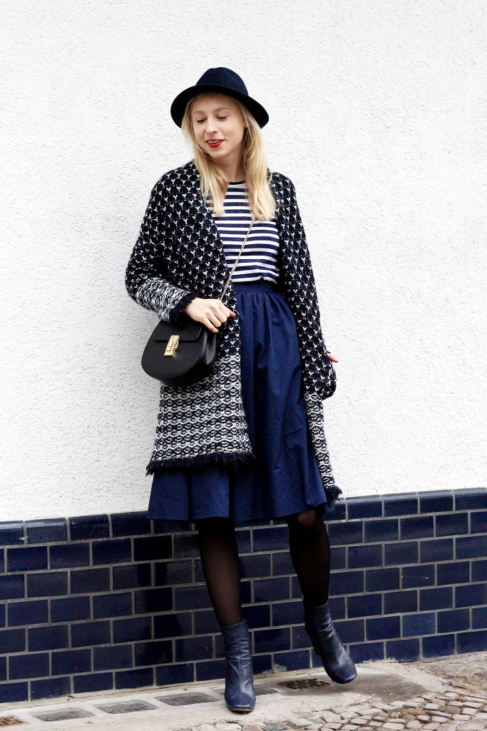Chunky knit cardigan outfit