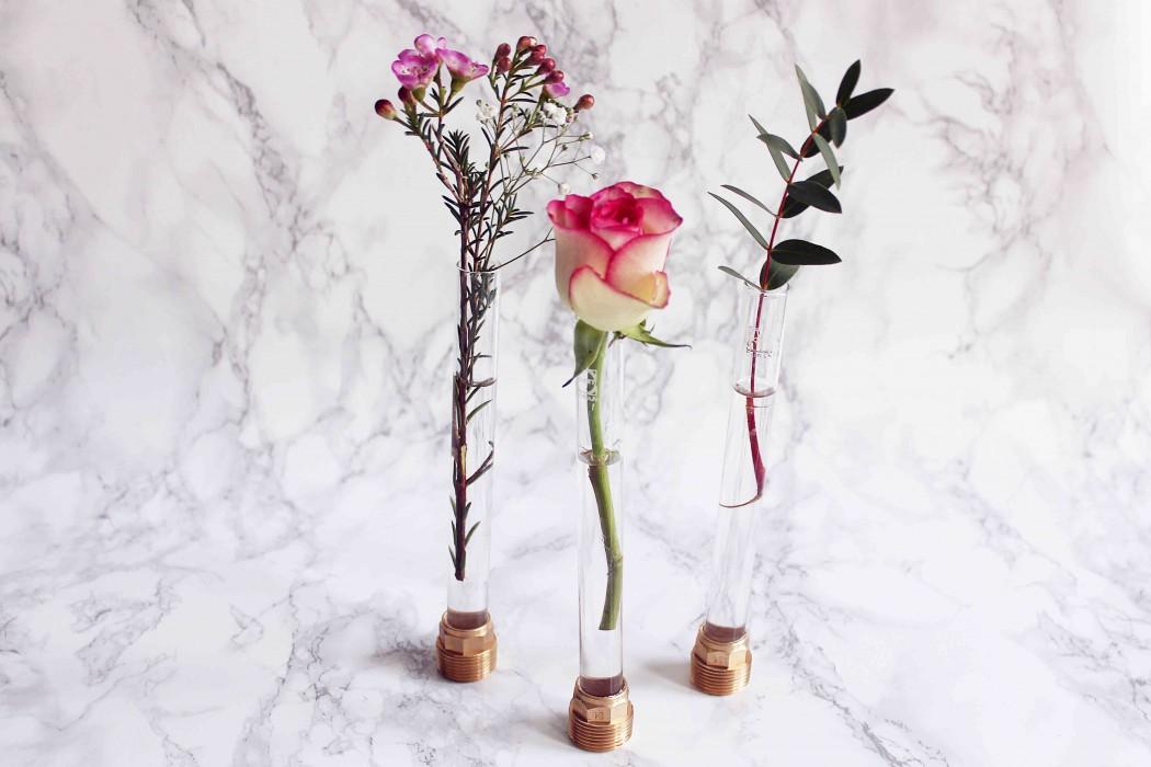 Vasen aus Reagenzgläsern basteln