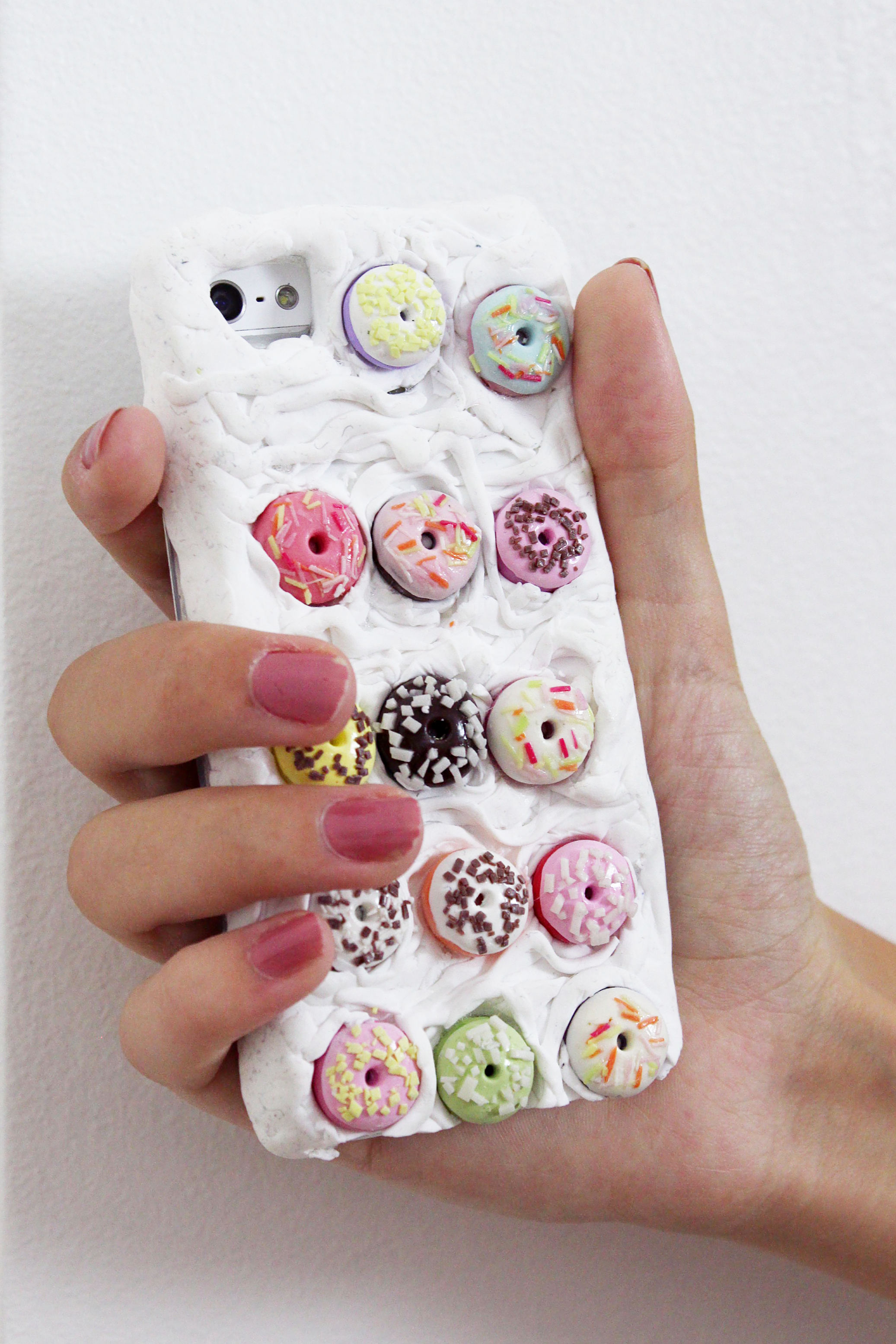 DIY-iphone-case-handy-hülle-verzieren-fimo-diy-blog