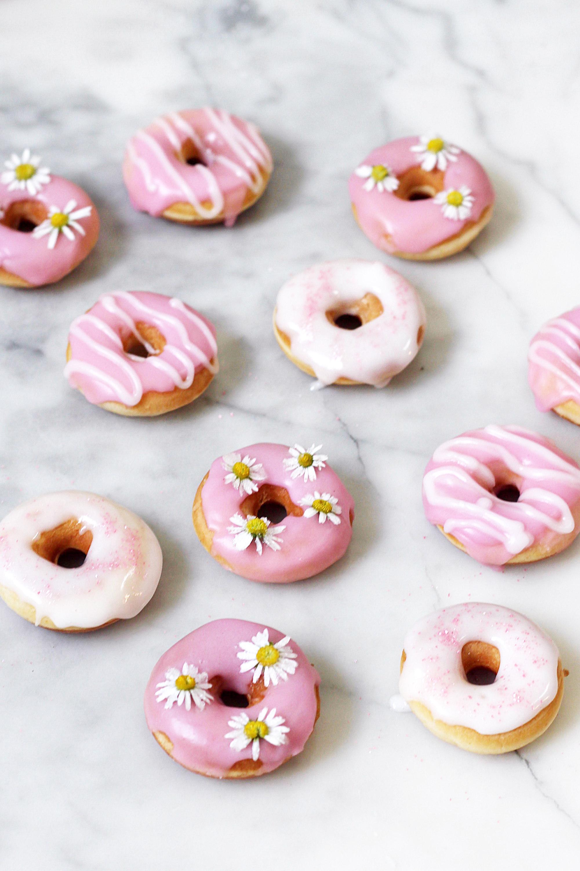 donut rezept diy donuts backen und verzieren. Black Bedroom Furniture Sets. Home Design Ideas