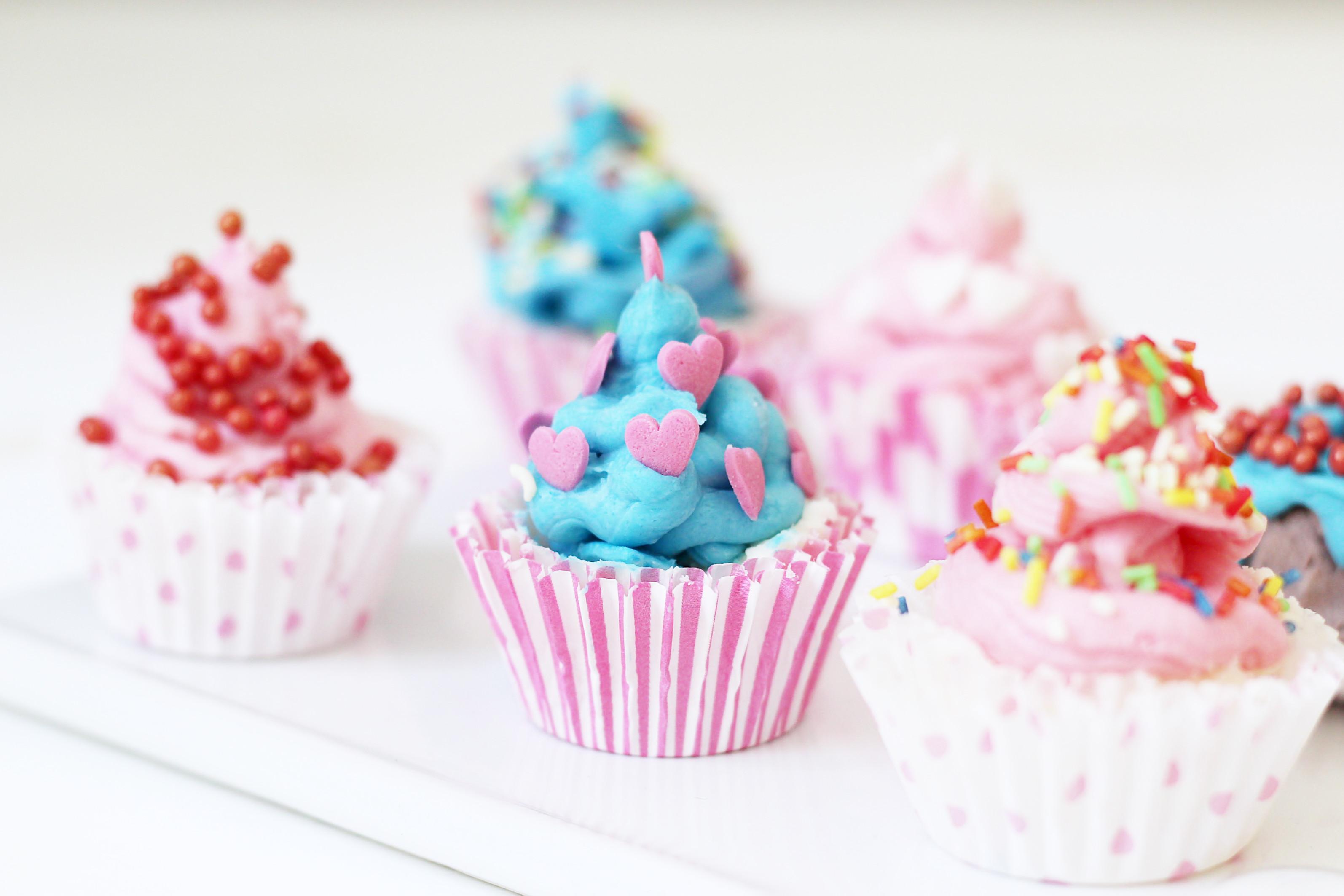 badebomben in cupcake form selber machen kreative. Black Bedroom Furniture Sets. Home Design Ideas