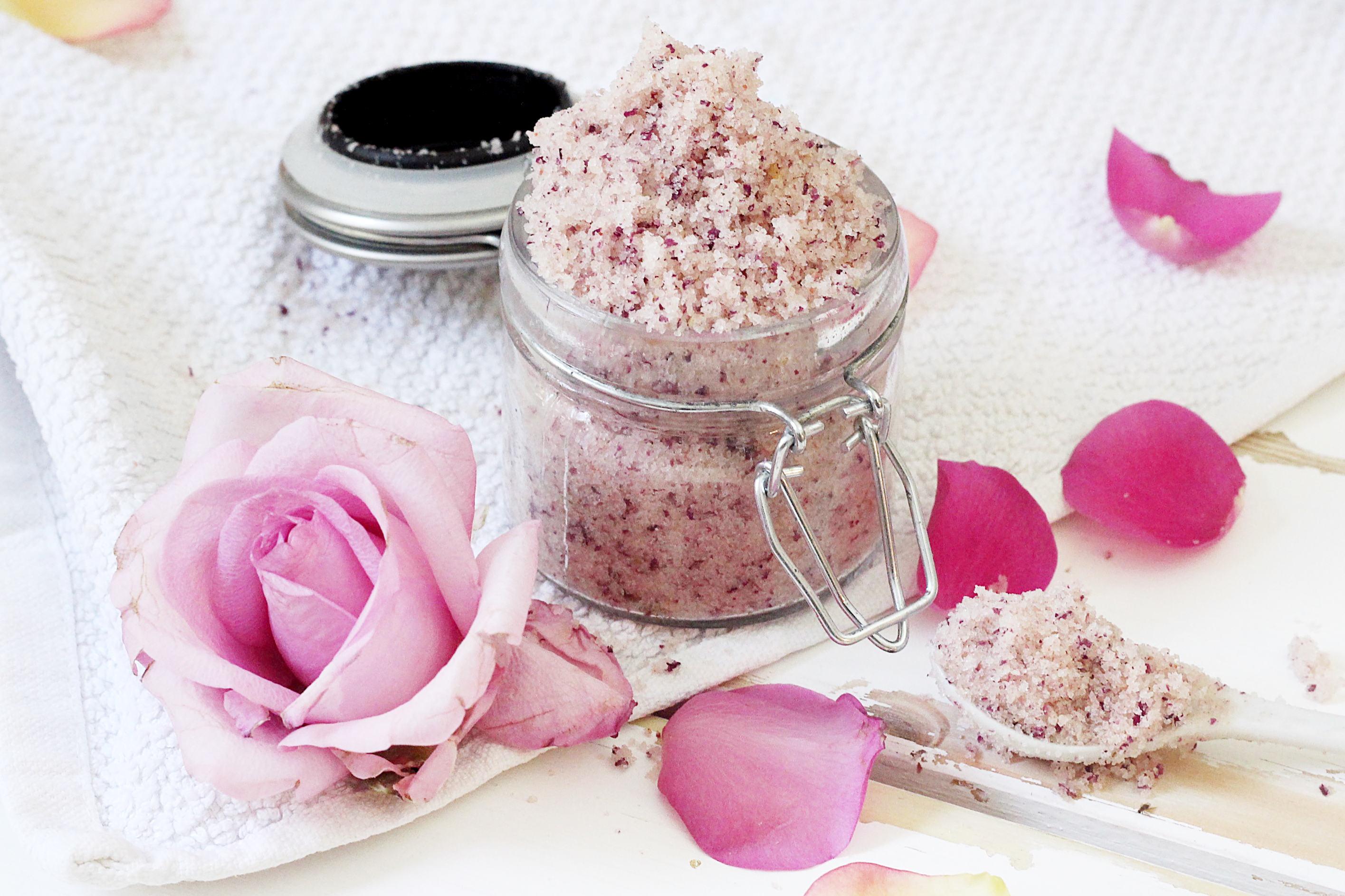 DIY Körperpeeling mit Rose Mandel Duft Selbermachen
