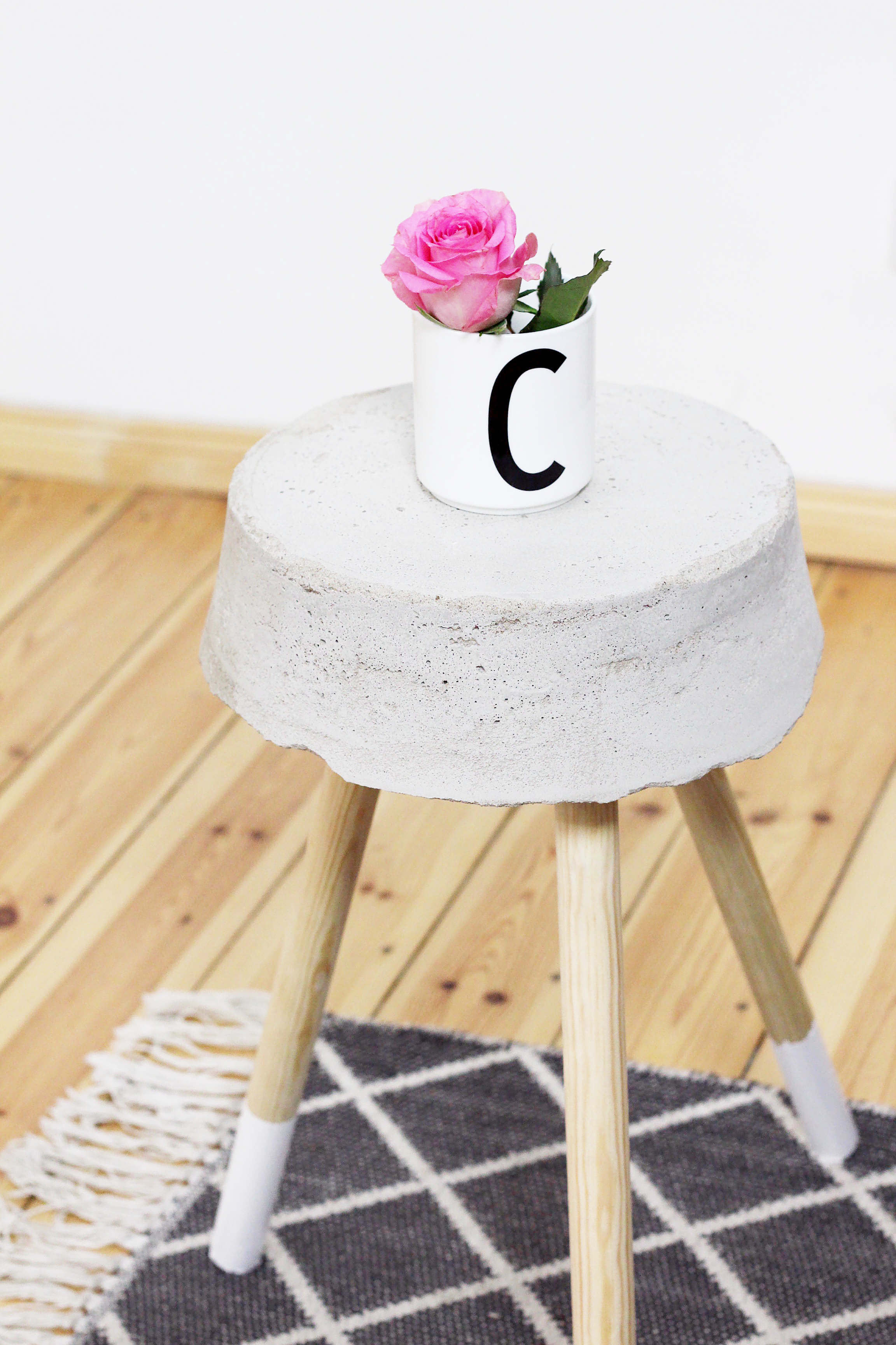 diy-beton-hocker-zement-moebel-diy-blog-berlin