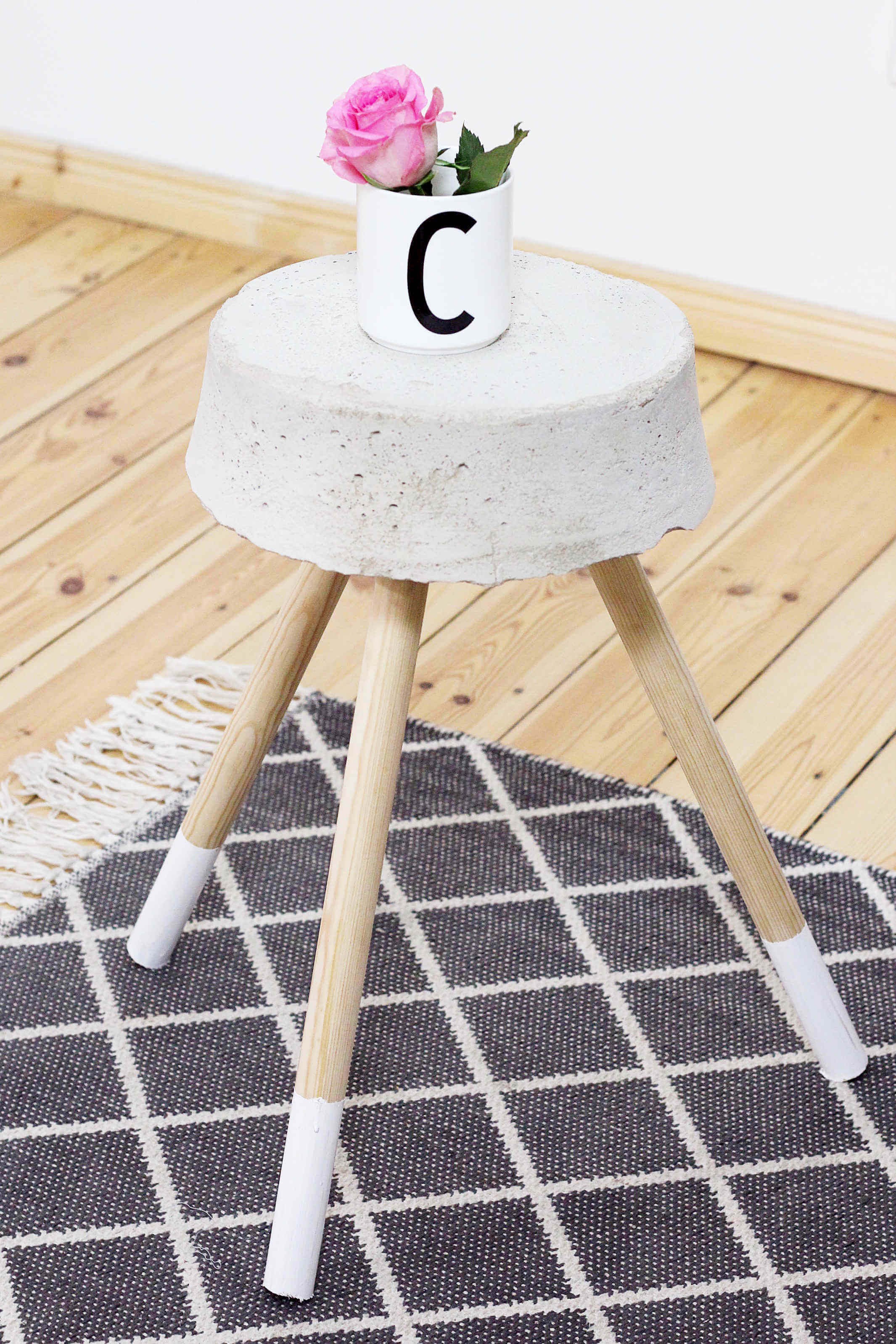 diy-beton-hocker-zement-moebel-diy-blog