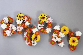 DIY Halloween Deko: Originelles Blumen Monogramm U201cSpookyu201d Basteln