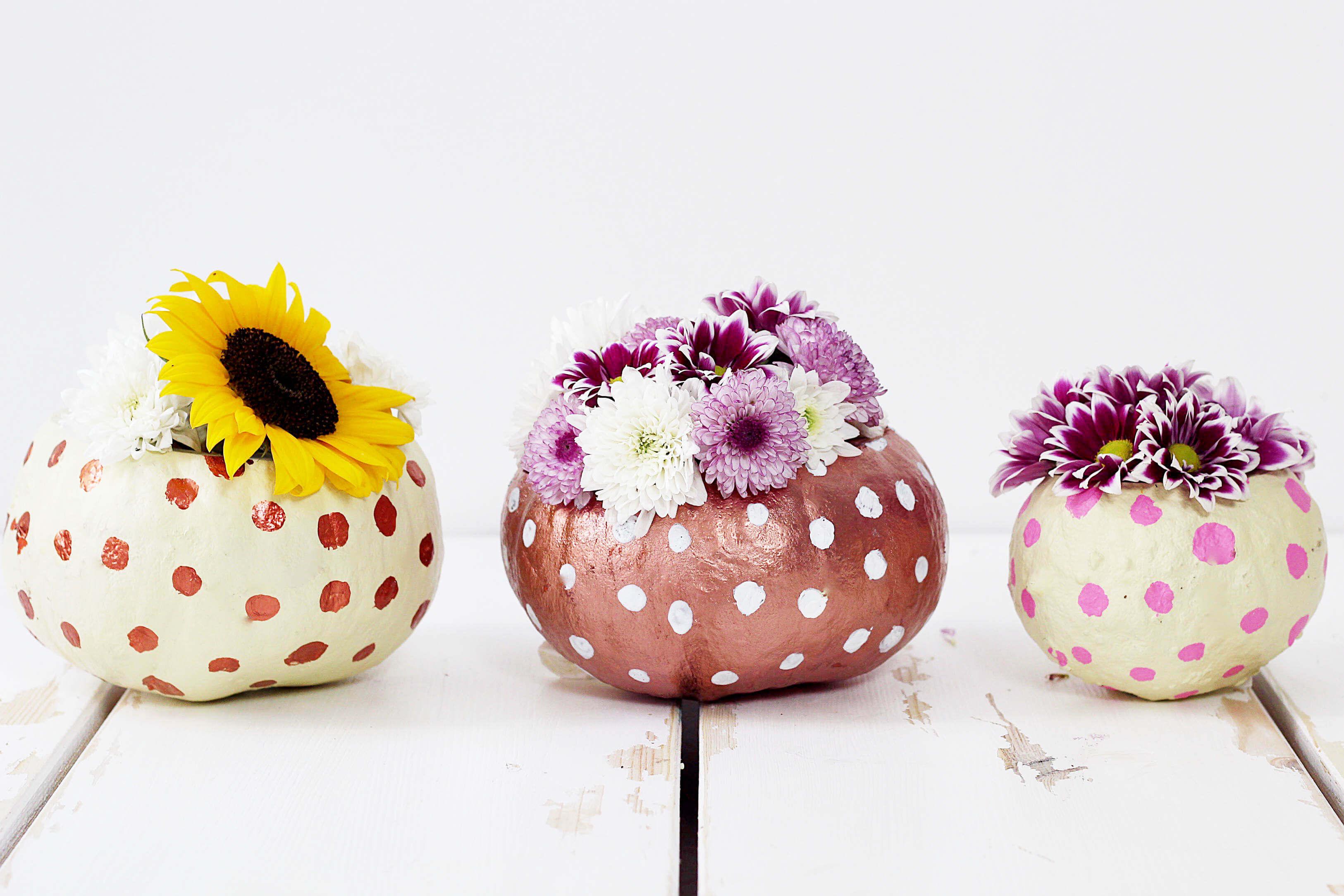 Kürbisdeko Basteln: DIY Vasen Aus Kürbis Selber Machen