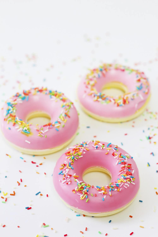 seife-selbst-herstellen-mit-kindern-donut-form-diy-blog-1