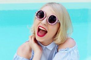 DIY Sonnenbrille mit Donuts und Sprüchen verzieren