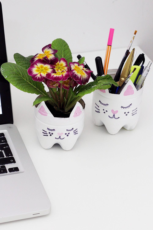 DIY-Blumentopf-Stiftehalter-aus-Flasche-basteln-selber-machen-Upcyceln-upcycling-diy-blog-2