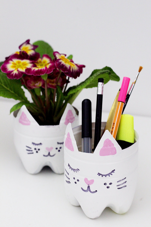 DIY-Blumentopf-Stiftehalter-aus-Flasche-basteln-selber-machen-Upcyceln-upcycling-diy-blog
