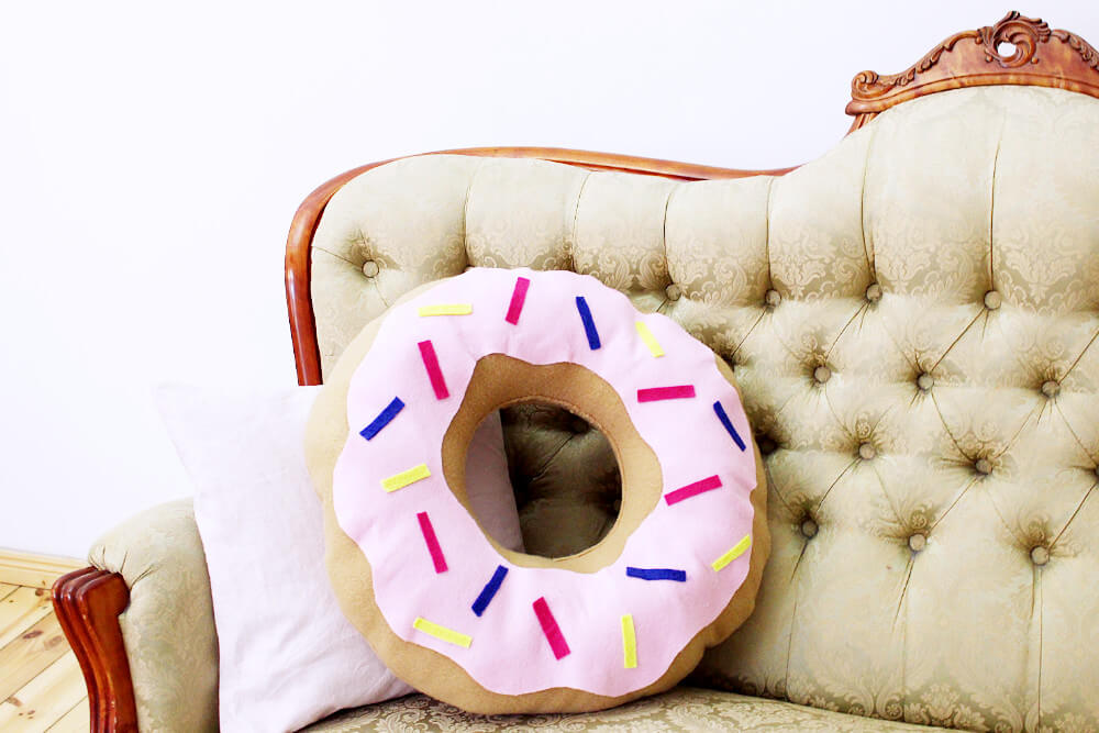 DIY Donut Kissen Selber Machen + Kleines Update Mit Meinen Frühjahrsplänen