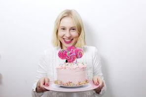 Rezept: Verrückte Überraschungs-Torte mit Zuckerstreusel-Füllung backen