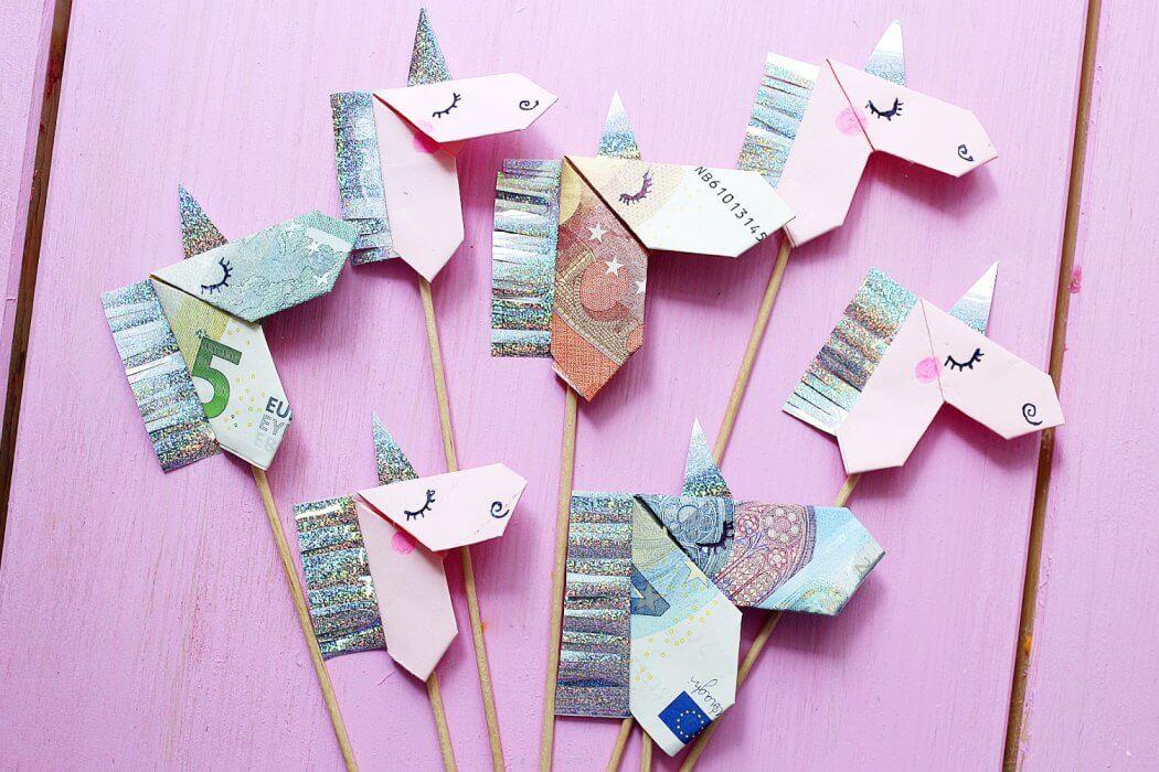 geldscheine kreativ zum origami einhorn falten diy anleitung. Black Bedroom Furniture Sets. Home Design Ideas