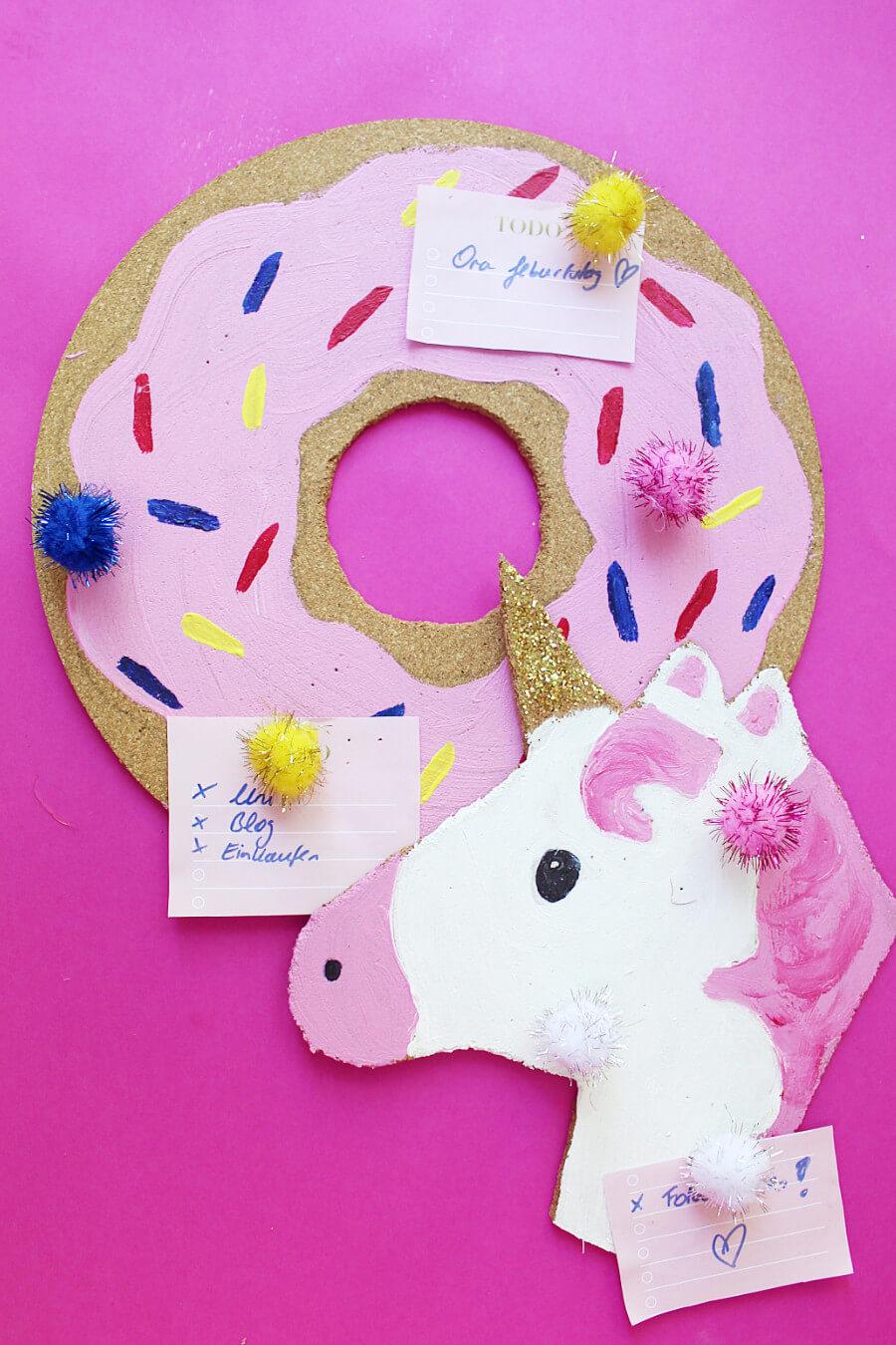 diy pinnwand f r den schreibtisch selber machen donut. Black Bedroom Furniture Sets. Home Design Ideas