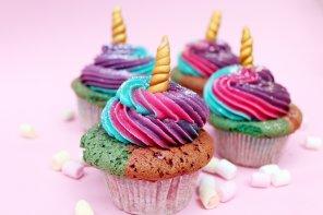 Einhorn Cupcakes 🦄 backen –  Einfaches Muffin Rezept