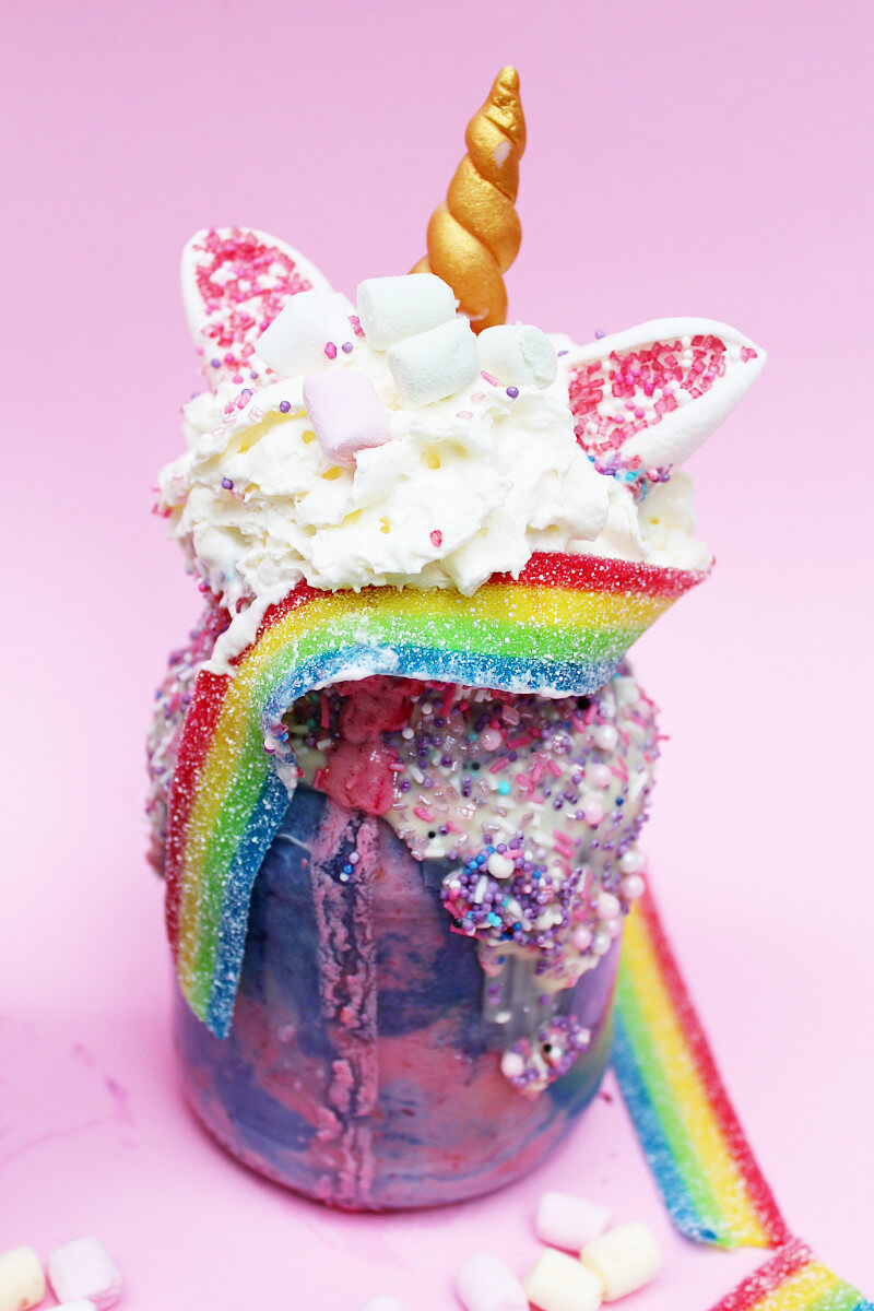einhorn freakshakes selber machen verr cktes rezept f r unicorn fans. Black Bedroom Furniture Sets. Home Design Ideas