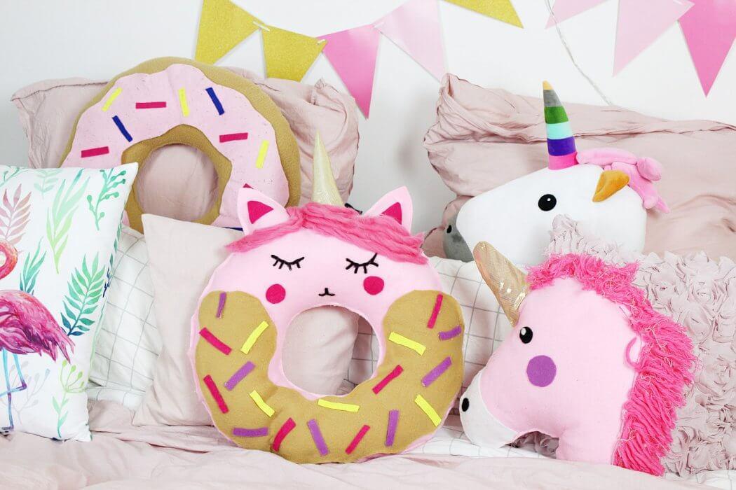 Ich Zeige Euch, Wie Ihr Ein Donut Kissen Mit Einhorn Motiv Ohne Nähen Selber  Machen Könnt!