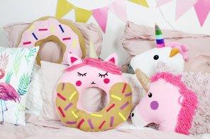 DIY Donut Kissen mit Einhorn-Motiv selber machen: Anleitung ohne Nähen!