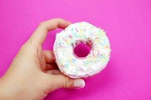 DIY Donut Badebomben selber machen – Schnelles DIY Geschenk! 🍩