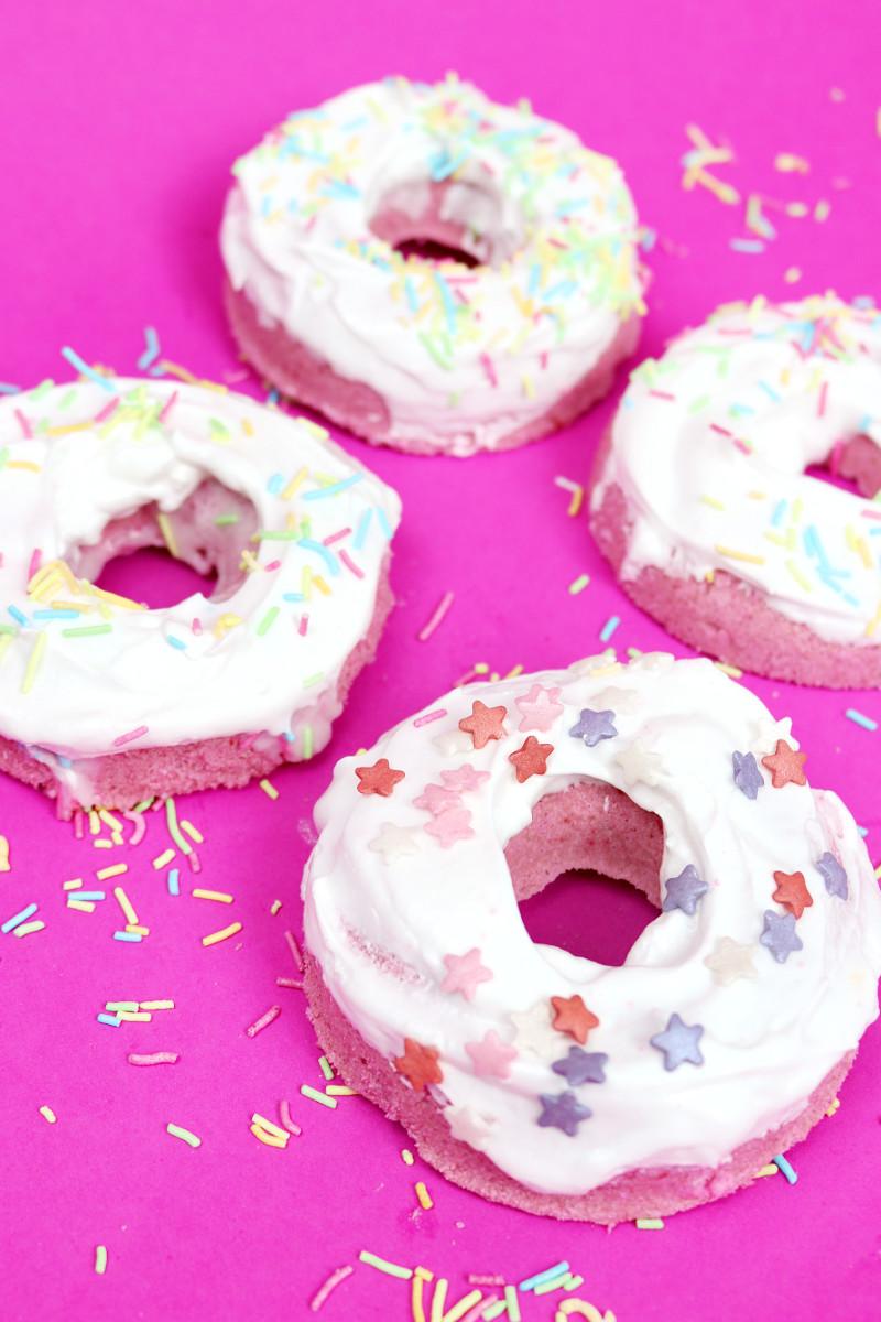 diy donut badebomben selber machen schnelles diy geschenk. Black Bedroom Furniture Sets. Home Design Ideas