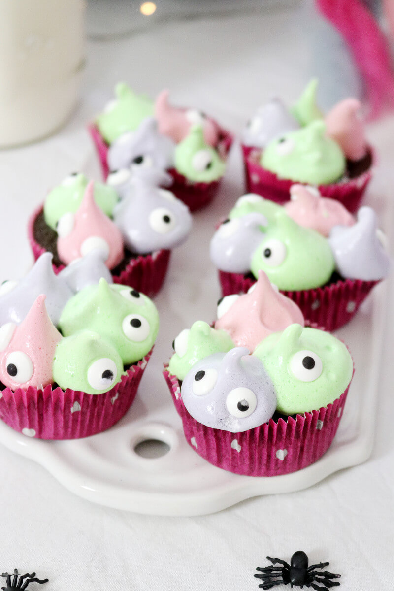monster cupcakes backen einfaches muffin rezept f r halloween. Black Bedroom Furniture Sets. Home Design Ideas