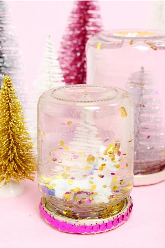 diy schneekugeln selber machen g nstiges geschenk f r weihnachten. Black Bedroom Furniture Sets. Home Design Ideas